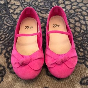 Pink dress shoes in good condition